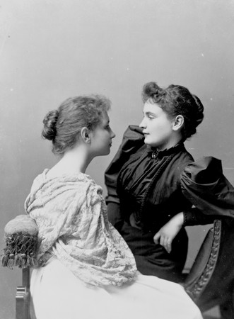 070625114232_anne_sullivan_seated_with_helen_keller_lg